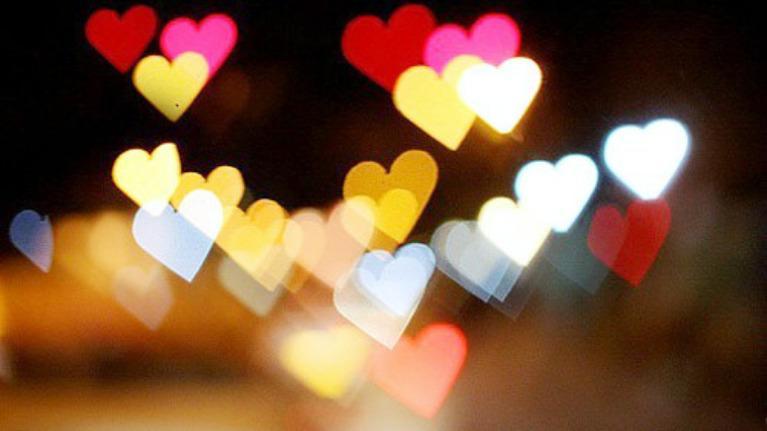 Màu sắc bạn thích nói lên tính cách của bạn khi yêu