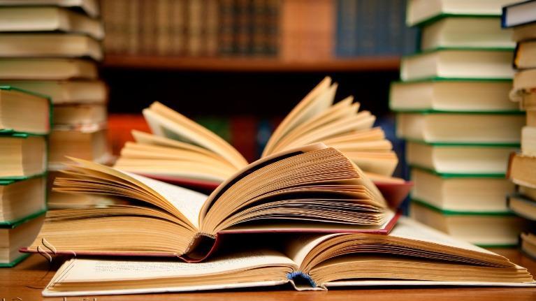 Trắc nghiệm trong thư viện giải đáp suy nghĩ của bạn