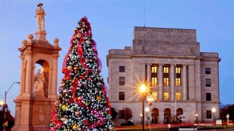 Bạn là gì trên cây thông Noel ?