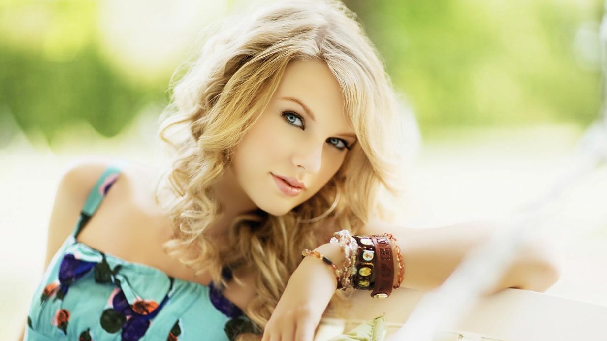 Liệu bạn có phải fan ruột của những ca khúc cộp mác Taylor?